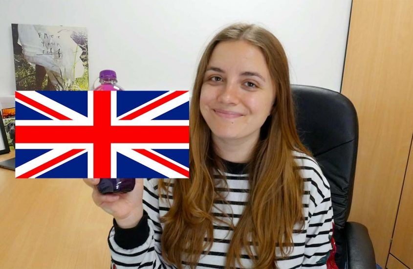 Canadian tries random British sweets